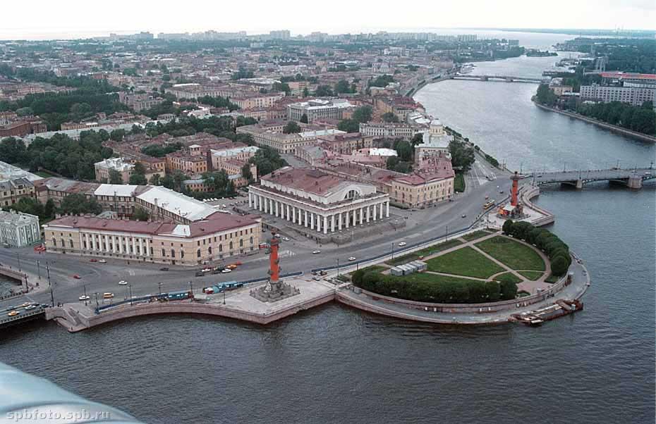 """Экскурсия  """"Город на островах """" дает возможность взглянуть на Санкт-Петербург как на уникальный город..."""