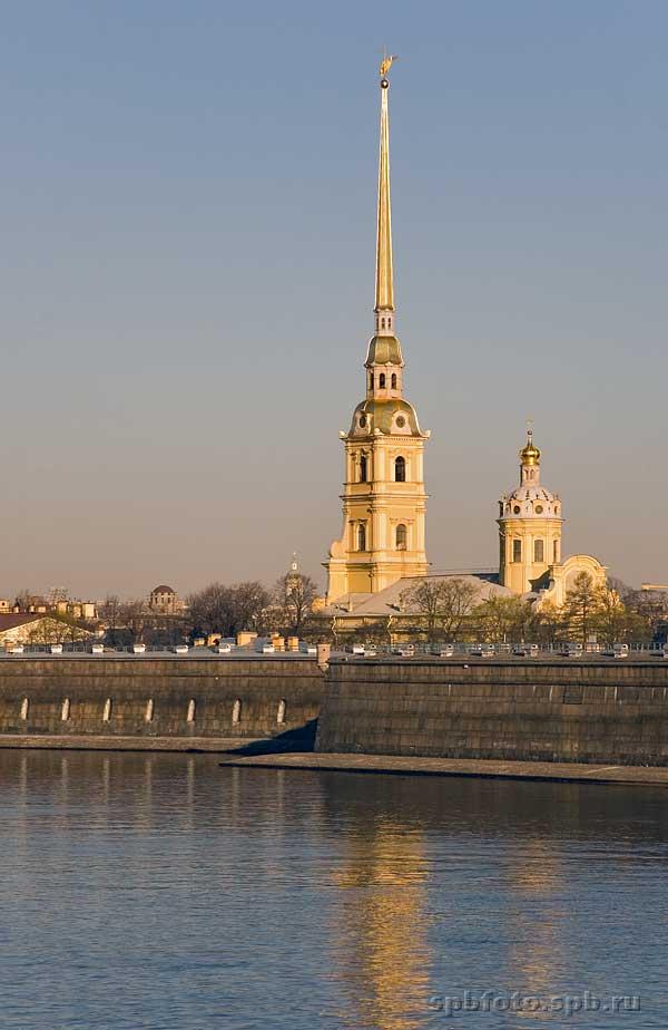 Петропавловская крепость, расположенная на Заячьем острове - уникальный памятник истории, архитектуры и...